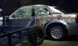 Краш-тест Chrysler 300