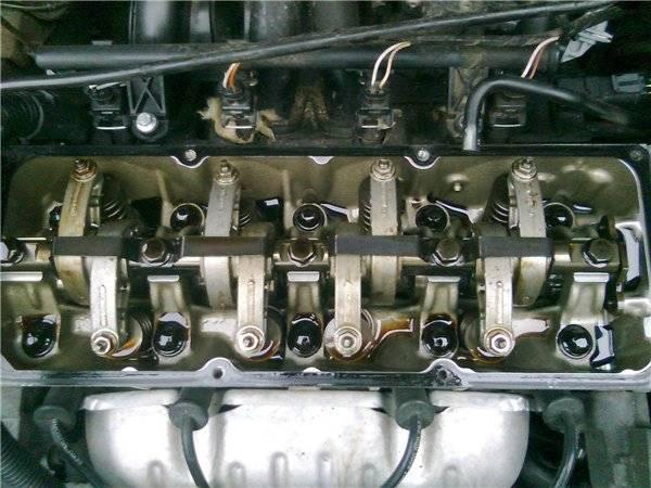 фото двигателя на масле вальволин