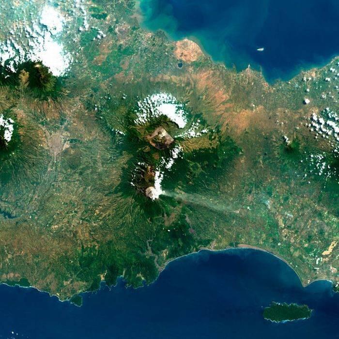 Ziemia z lotu ptaka: wulkany 11