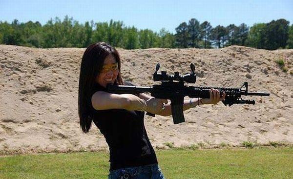 Uzbrojone dziewczyny #2 11