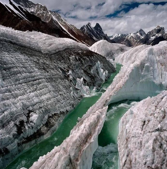 Góry w zimowej scenerii 2