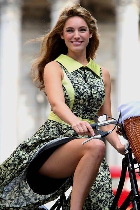 Dziewczyny na rowerach 45