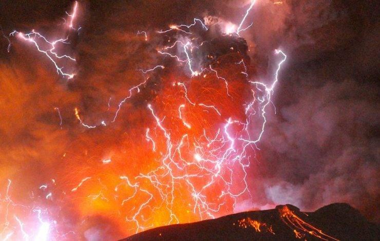 Widowiskowe erupcje 4