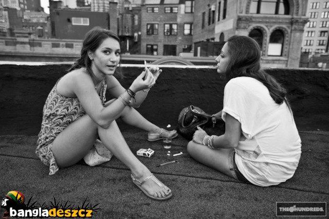 Dziewczyny i marihuana 20