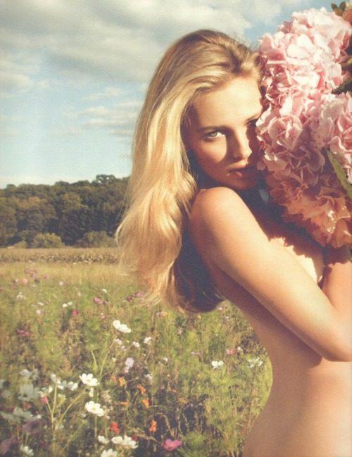 Subtelne zdjęcia kobiet #12 17