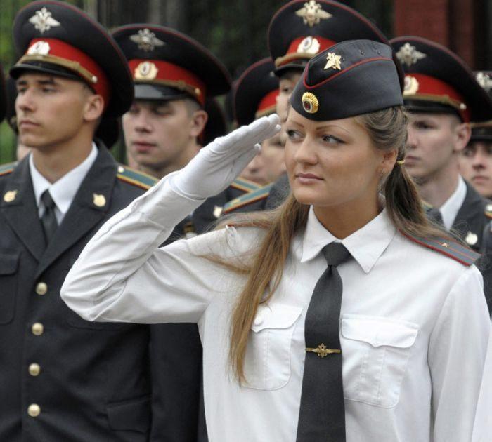 Kobiety w mundurach 10