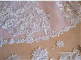 Как пришить кружева на подол свадебного платья